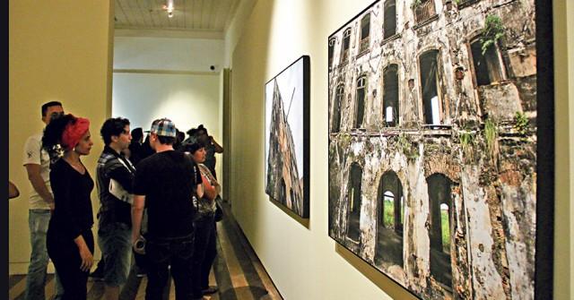 Belem.Pará.Brasil. CIDADE. Abertura do VII Premio Diario de Fotografia, na Casa das 11 Janelas. 14/04/2016. FOTOS: jader Paes. Diario do Pará