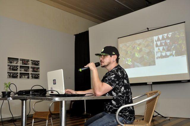 Belém, Pará, Brasil. Cultura. Diálogos Sobre Artes Visuais e Amazônia(s) com John Fletcher Nas Onze Janelas. 30/06/2017.  Foto: Irene Almeida.